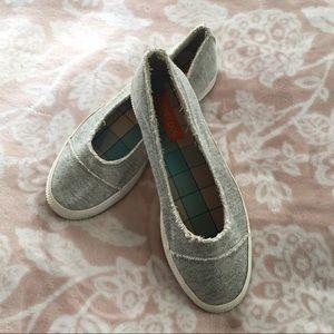 EUC Rocket Dog grey slip on shoes